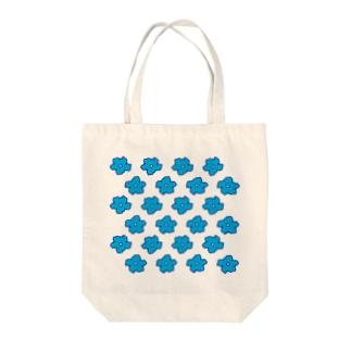 水色の花柄 Tote bags