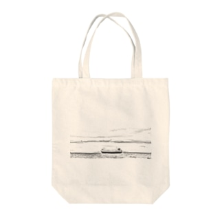 Ship  Black and white Tote bags