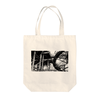 FahrenheitのPipe  Black and white Tote bags