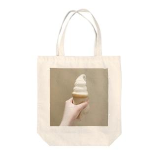 おいしいソフトクリーム Tote bags