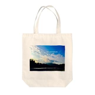 異国の河原にて - BUT. I HAVE DREAMS. Tote bags