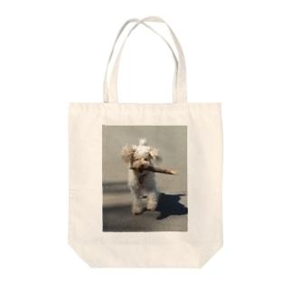 トイプーのお外でお遊び楽しいな Tote bags