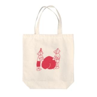 桃に寄り添うじいとばあ Tote bags