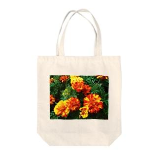 幸せになれるよ!! Tote bags