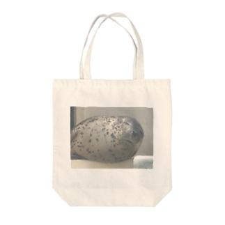 アザラシさんの睡眠 Tote bags