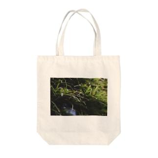 草の匂い Tote bags