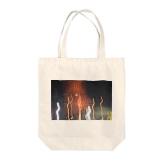 花火が咲いた Tote bags