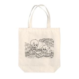 イノシシライフ INOsisiLIFEの「ふゆゆんとぼさいのの食卓」 Tote bags