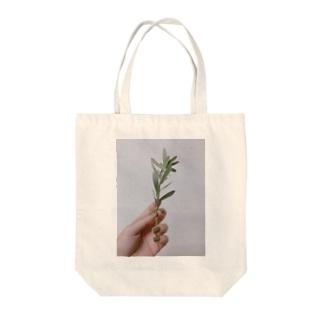 imoのgreen Tote bags