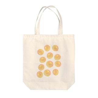 水草のオレンジ玉いっぱい Tote bags