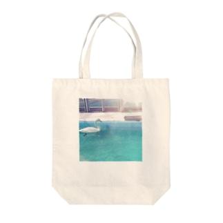 水鳥の夢うつつ Tote bags