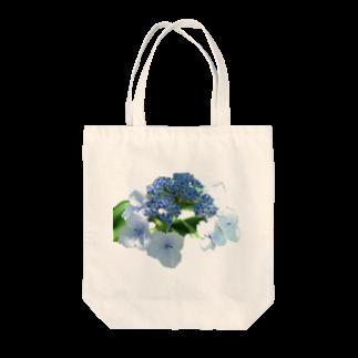 影のある写真とチワワの青い紫陽花 Tote bags