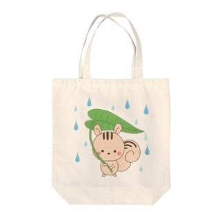 リスと葉っぱの雨傘 Tote bags
