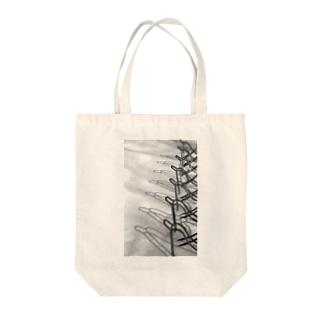 モノクロ・雪 Tote bags
