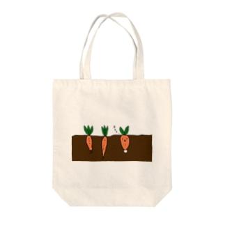 Quasi Abyssのにんじんウサギ Tote bags