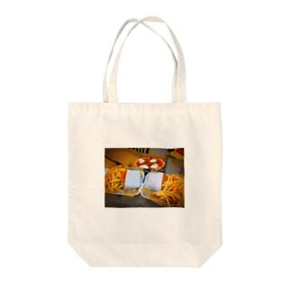 ジャンキーフード Tote bags