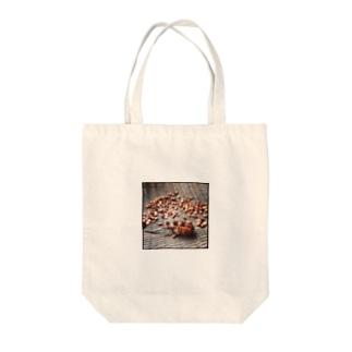 菖蒲の種 Tote bags