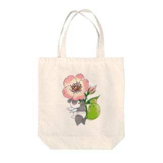 バラとまめぱんだ Tote bags