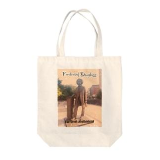 フレディー Tote bags