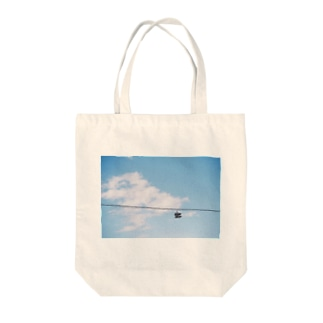 IN THE FLIGHT Tote bags
