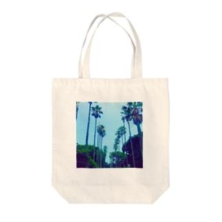 ぱーむつりー Tote bags