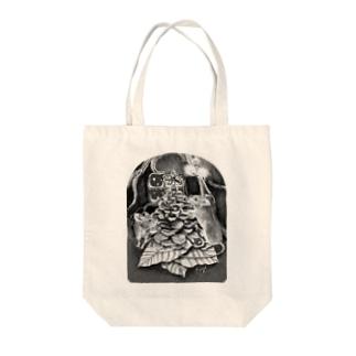 松ぼっくりツリーねずみ Tote bags