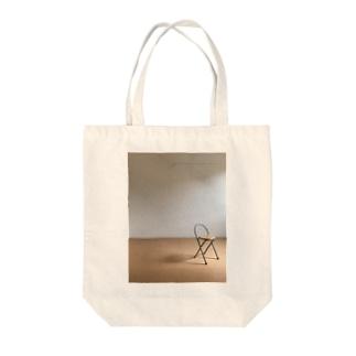 部屋と椅子 Tote bags