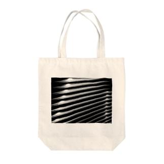 シャッター【モノクロ】 Tote bags