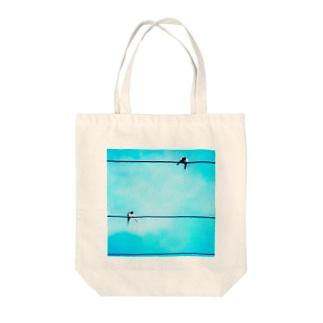 燕 Tote bags