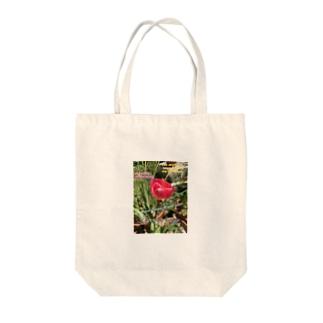 ピンクチューリップ Tote bags