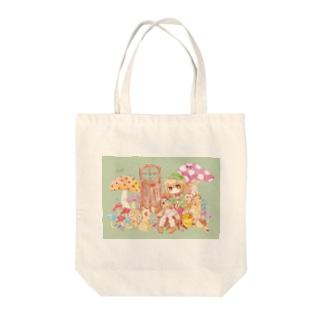リスの女の子 Tote bags
