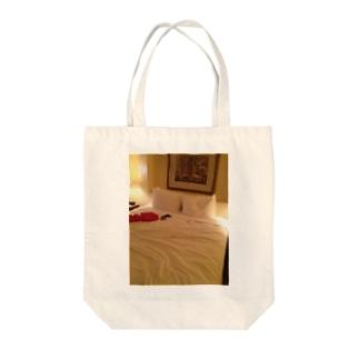 リラックスタイム Tote bags
