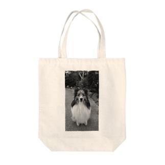 シェルティーくん Tote bags