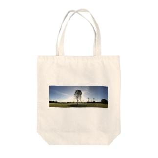 公園の一本木 Tote bags