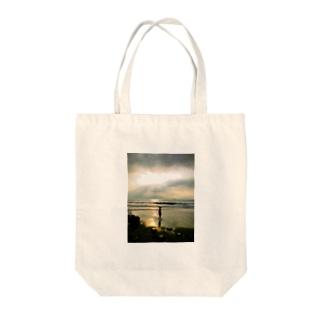 日の出と僕 Tote bags