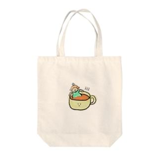 紅茶に浸かる子 Tote bags