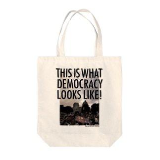 色生地用 WHAT'S DEMOCRACY? モノクロ Tote bags