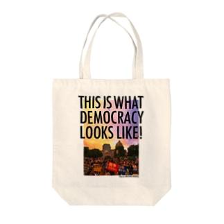 色生地用 WHAT'S DEMOCRACY? カラー Tote bags