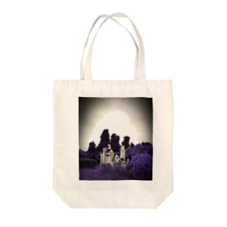 狂王の城 Tote bags