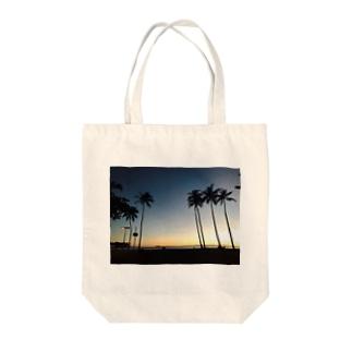ハワイの夕暮れ Tote bags
