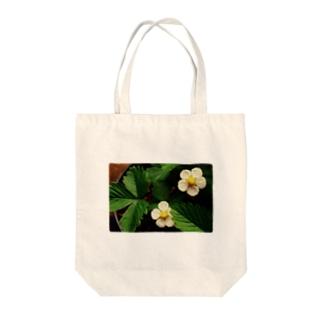ワイルドストロベリーの花 Tote bags