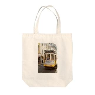 Lisbon*tram Tote bags