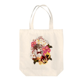 Flowers around the cat Tote bags