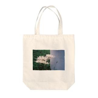曼珠沙華とグレー Tote bags
