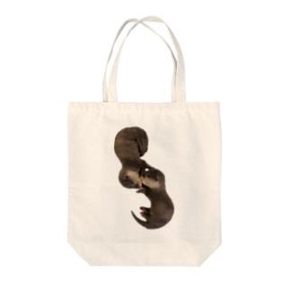 お眠り子カワウソ Tote bags
