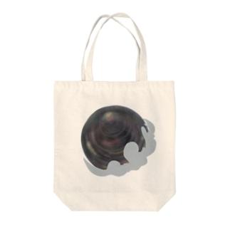 kuroihoshi Tote bags