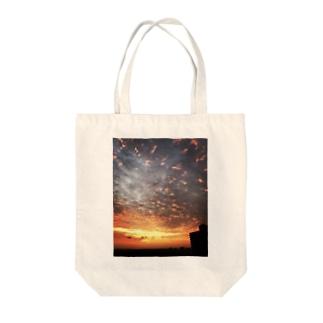 サンライズ、サンセット、朝焼け、夕焼け Tote bags