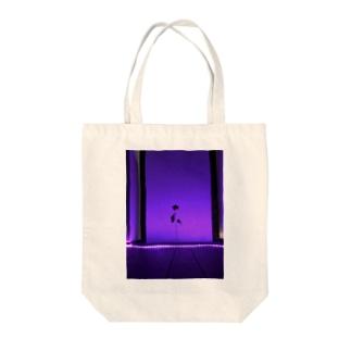 花のライトアップ Tote bags