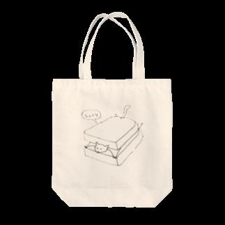 カニのパンに挟まるムササビ Tote bags