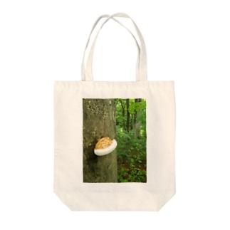 蛙とキノコ Tote bags